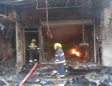 بالصور.. اندلاع حريق وسط كربلاء