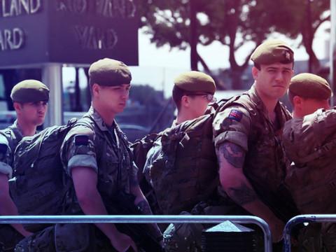 بريطانيا تستعين بالجيش لمواجهة كورونا
