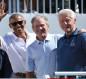 أوباما وبوش وكلينتون يتناولون لقاح كورونا أمام الكاميرات