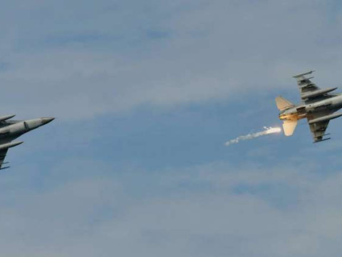 جيش الاحتلال الاسرائيلي يطلق 450 صاروخا على غزة الليلة الماضية