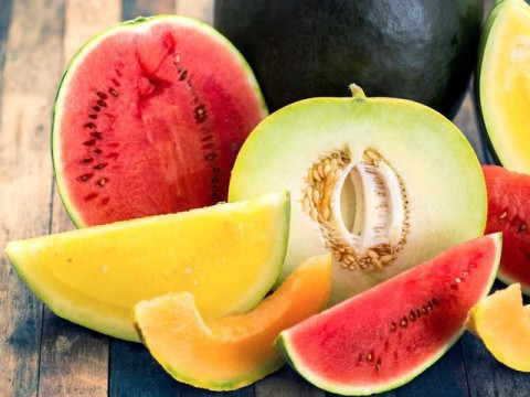 أيهما أكثر فائدة البطيخ الأحمر أم الأصفر؟
